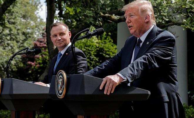 Trump Berencana Kirim Pasukan ke Polandia sebagai Sinyal untuk Rusia