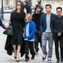 Angelina Jolie Ajarkan Semua Agama dan Bebaskan Anaknya Memilih Sendiri