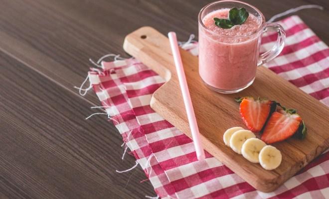 TIKTAK.ID - Resep Awesome Possum, Minuman Sehat Campuran Stroberi dan Pisang