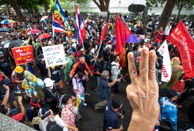 Demonstrasi di Bangkok Tuntut Reformasi Monarki Thailand