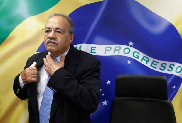 Digerebek Polisi, Senator Brasil Sembunyikan Uang dalam Celana