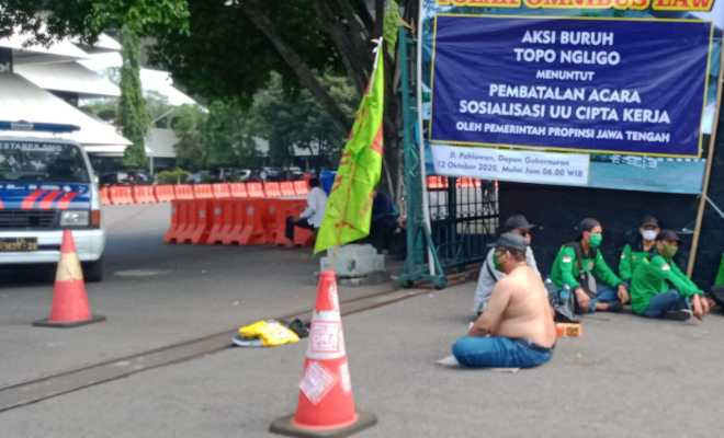 Nilai Ganjar Pranowo Tak Punya Rasa Malu kepada Rakyat, Petinggi Aktivis Buruh Semarang Gelar Aksi Topo Ngligo