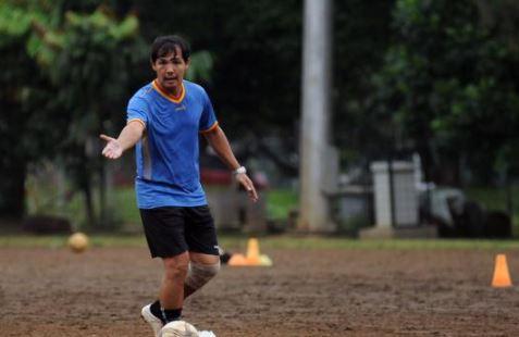 Bambang Pamungkas Sebut Ricky Yacobi yang Meninggal Saat Main Bola di Senayan 'Inspirasi para Striker'