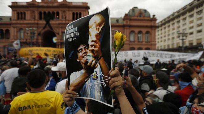 Warga Argentina Ucapkan Selamat Tinggal kepada Sang Legendaris Maradona