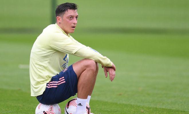 Drama Mesut Oezil, Antara Tinggalkan atau Bertahan di Arsenal
