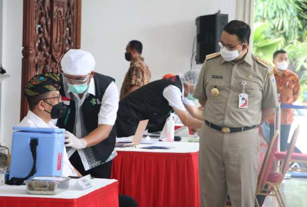 Ternyata ini Alasan Kenapa Anies dan Wakilnya Tak Ikut Divaksin Bareng Jokowi