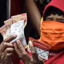 Anies Diminta Buka Data Nama-nama Penerima Bansos Tunai di DKI