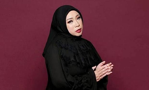 Melly Goeslaw Bikin Lagu 'Titipan Ilahi' untuk Acara 7 Bulanan Zaskia Sungkar