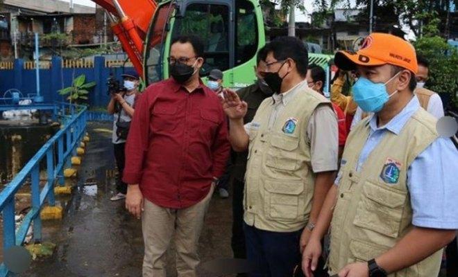 Jakarta Dikepung Banjir, Anies Tetap Targetkan Surut dalam 6 Jam