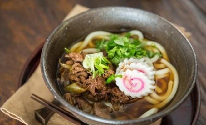 Resep Udon Kuah Topping Sukiyaki ala Jepang