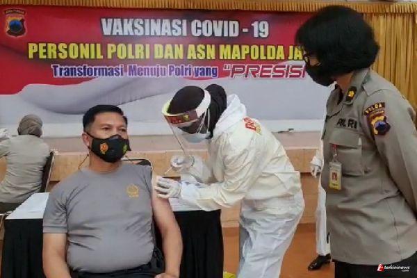 Tahap Pertama Gelombang Kedua, 200 Anggota Polda Jateng Ikuti Vaksinasi
