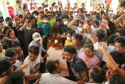 Militer Myanmar Tembak Mati 15 Demonstran Pro-Demokrasi