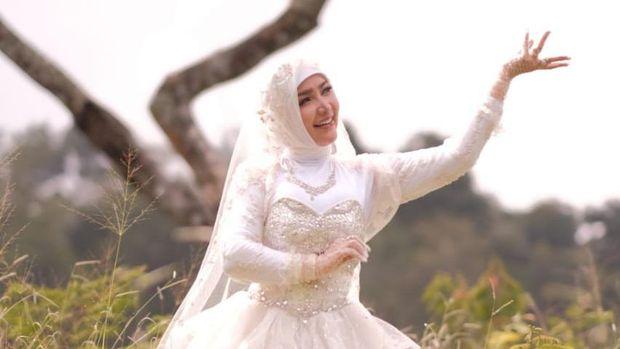 Roro Fitria Rilis Lagu 'Ramadhanku