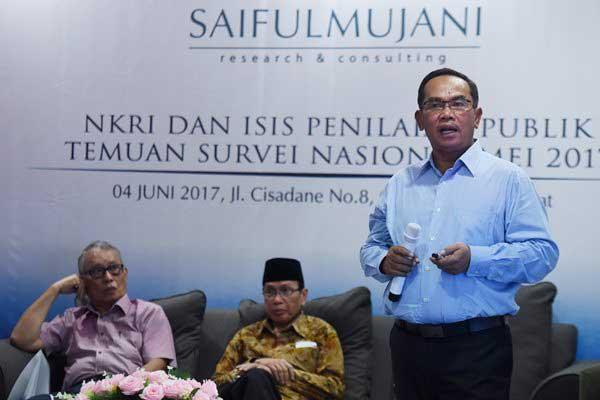 Saiful Mujani Kritik Jokowi Soal Pembubaran HTI dan FPI: Kebebasan Sipil Menurun