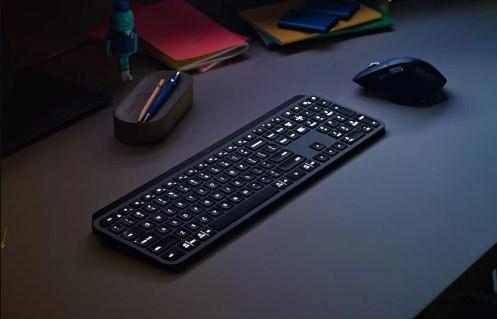 Logitech Rilis Duo Mouse dan Keyboard Premium di Indonesia