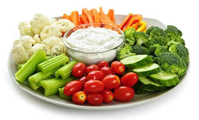 Sering Makan Sayur Mentah sebagai Menu Diet, Amankah?