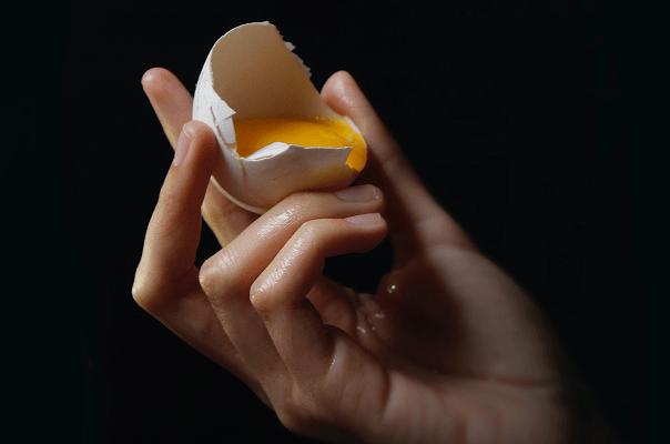 Ketahui Bahaya Makan Telur Mentah