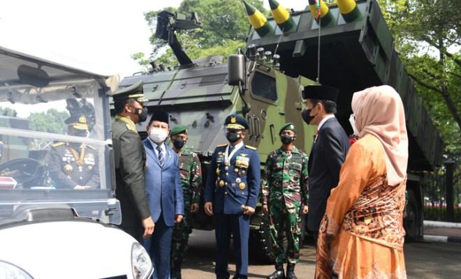 Guyonan Jokowi Minta Jenderal Andika Jadi Sopir Iriana