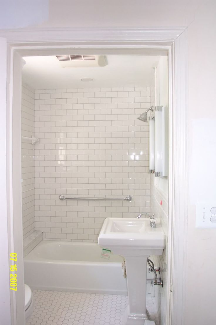 small bathroom subway tile ideas 2021