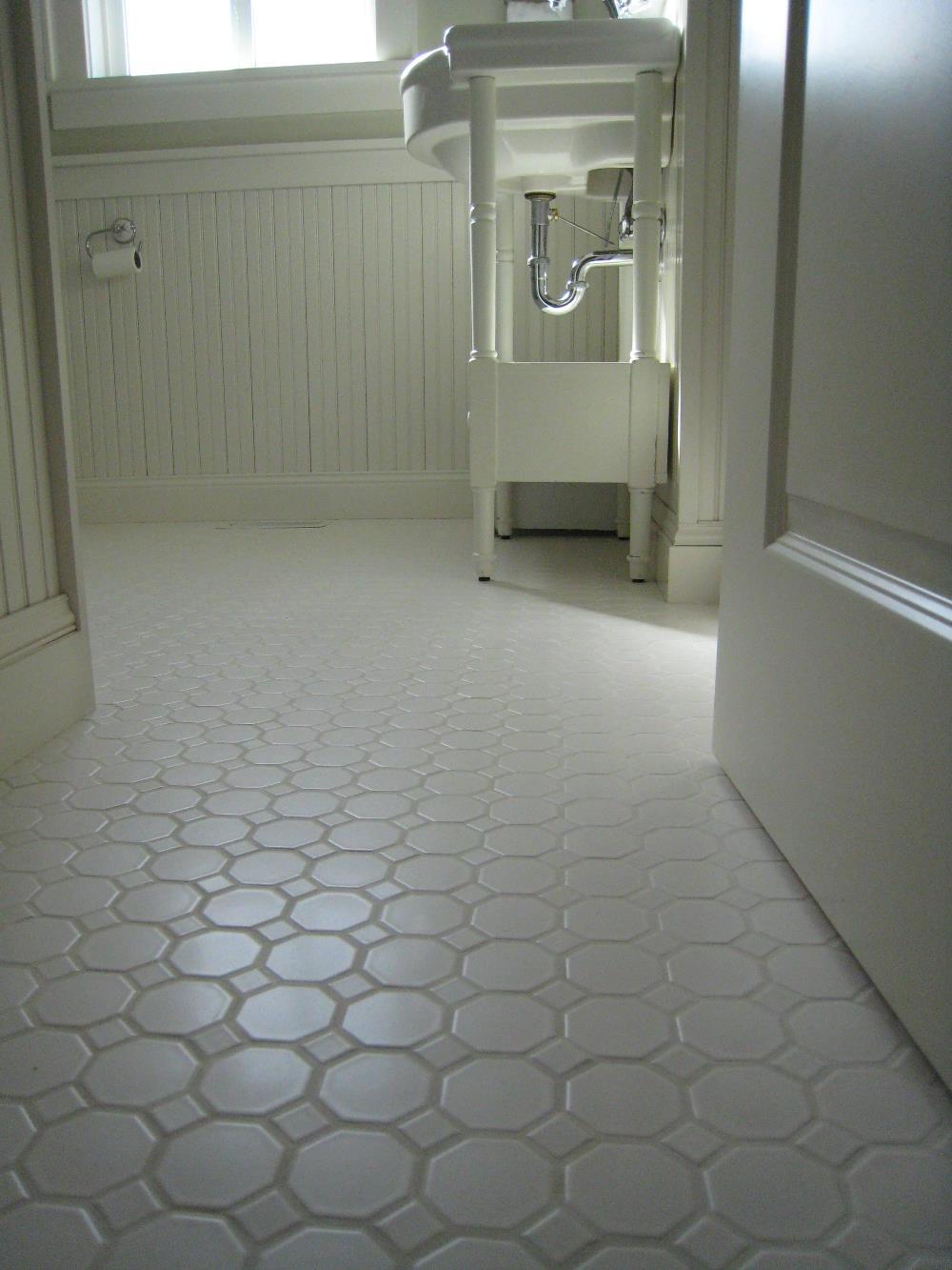 Vintage Bathroom Wall Decor Ideas