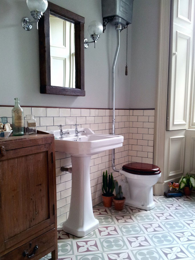 So, The Main Points To Creating A Victorian Style Bathroom Are: