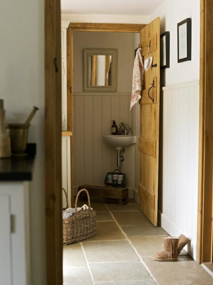 cottage downstairs cloakroom
