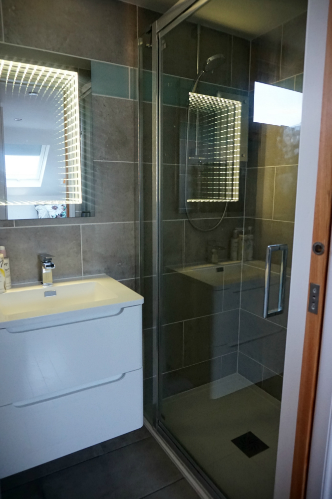 Attic shower room