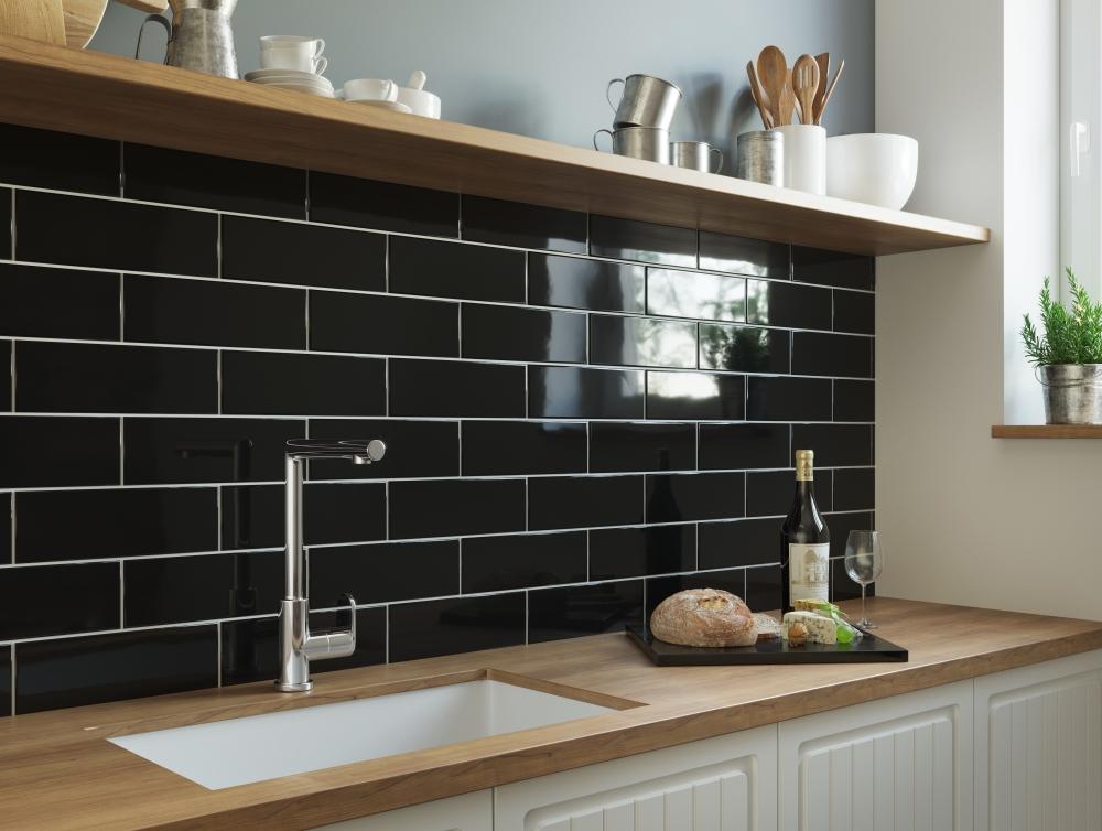 Linear Black Gloss | Tile Mountain