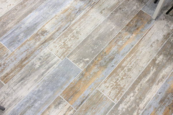 wood plank tile floor and wall guide