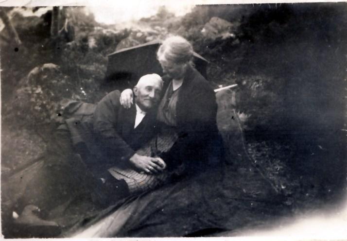 Desidert mitt absolutte favorittbilde. Se hvor glade mine oldeforeldre er i hverandre.