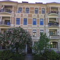 Cammilla Collets vei 3,v Riddervolds plass i Oslo. Landmark bodde i 3. etg.