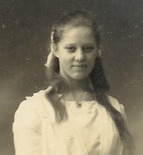 Mormor Erna 15 år