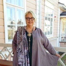 Yrittäjä Annuli Merkku, muodin gran old lady