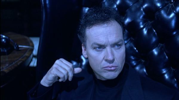 Quelqu'un compte me voler le rôle de Beetlejuice ? Je prends la Batmobile et j'arrive lui botter le derrière !
