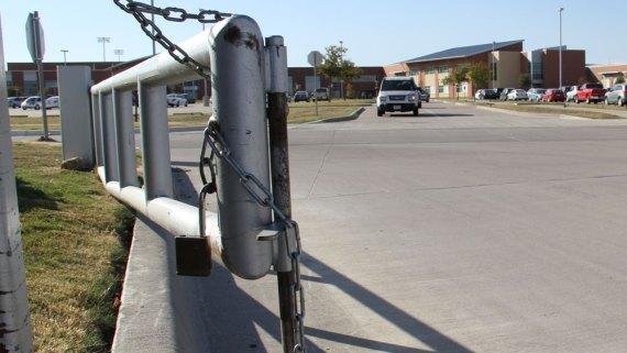 parking-gates-janda-002