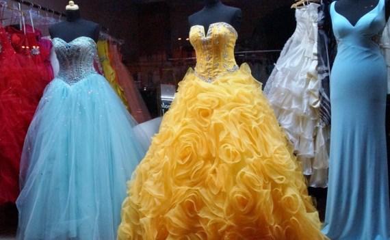 dress-1146503_1920