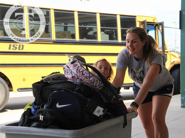Photos from the Creek to Creek Supply Drive on Sept. 28, 2017. (Photos by The Creek Yearbook photographer Lauren Quattlebaum)