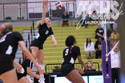 Photos from the Oct. 1, 2019 varsity volleyball game versus Fossil Ridge. (Photos by The Creek Yearbook photographer Lauren Graham.)