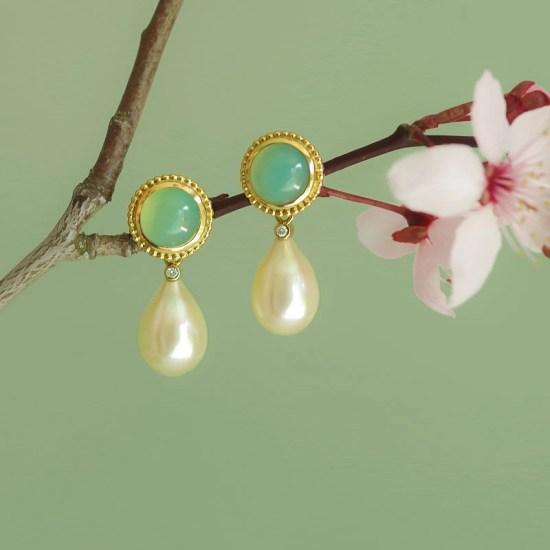 Perlen-Ohrhänger aus Gold