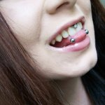 tongue_piercing_horizontal