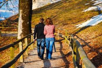relationship-bonding-fun-couple-walking-in-park