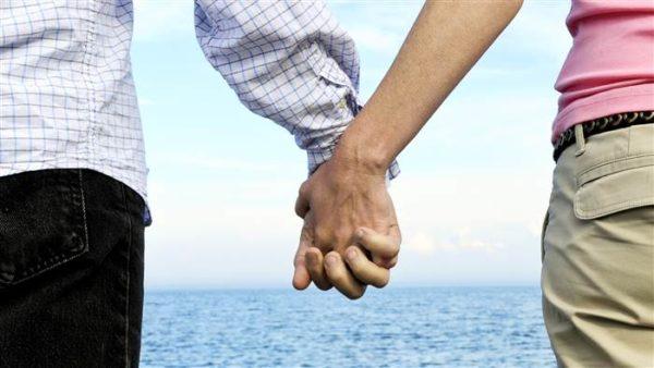 relationship-bonding-fun-holding-hands