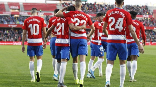 Herrera y Duarte celebrando el gol