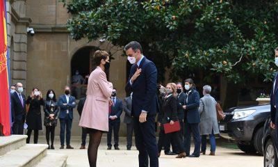 Chivite recibiendo a Pedro Sánchez en Navarra