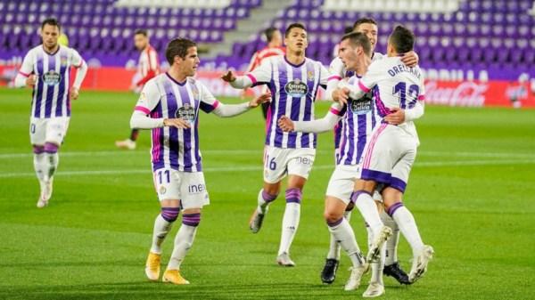 Orellana celebrando el primer gol