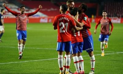 Machís celebrando el segundo gol del Granada con el equipo