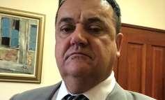 U toku pretresa Zastupnik Alija Denjagić zadržan u policiji pa pušten na slobodu zajedno sa još četiri osobe.