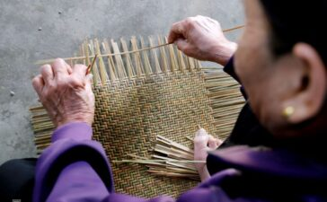 Travel2 days ago  Where weaving baskets remains a way of life More than 50 households in Ha Tinh Province's Thach Long Commune have preserved their traditional craft – bamboo baskets – to augment earnings from toiling on...