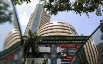 Sensex slumps over 440 points, Nifty slips below 15,000-level