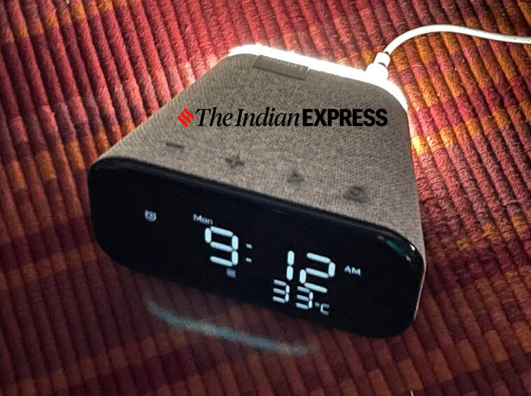 Lenovo smart clock essential, Lenovo smart clock essential price, Lenovo smart clock essential review, smart alarm clock Lenovo, Google Assistant, alarm clock to buy in India